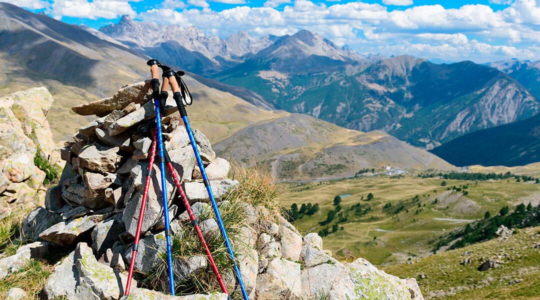¿Cómo elegir unos buenos bastones de montaña?